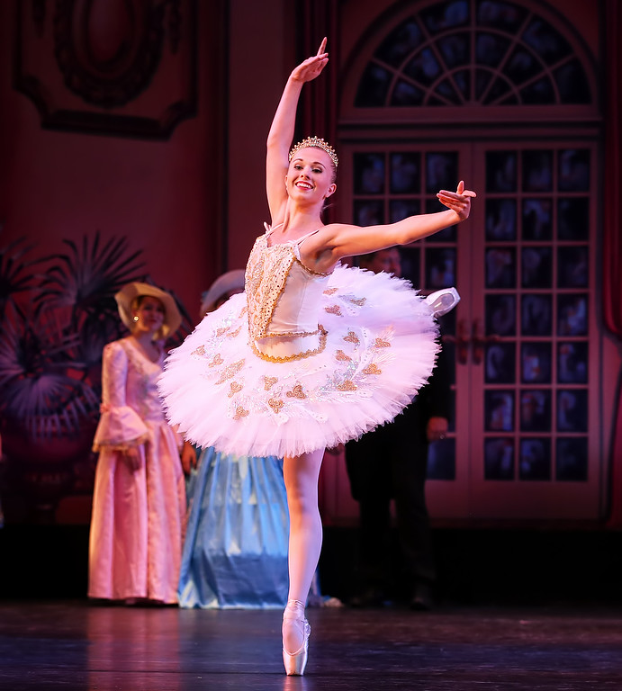 Ballet Class for ages 9-12 (July 16-August 16)
